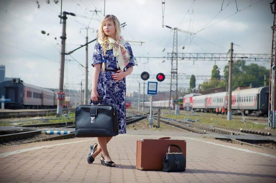 женщина и поезд